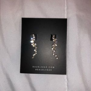 Earrings/ crawler